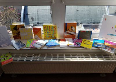 Büchertisch (28.03.2019 - Zertifizierung zur reggio-inspirierten Einrichtung)