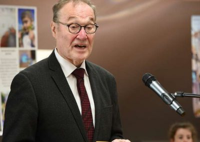 Prof. Dr. Knauf